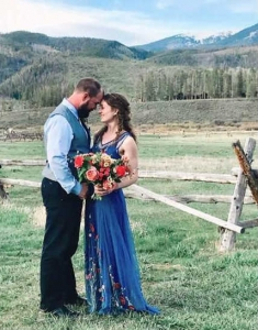 Wedding Couple with mountains in the background